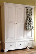 Guarda-roupa de madeira | Mobly